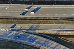 Transporte rodoviário - uma estrada de alta velocidade fotos de stock