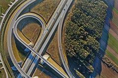 Transporte rodoviário - uma estrada de alta velocidade imagem de stock royalty free