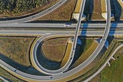 Transporte rodoviário - uma estrada de alta velocidade fotos de stock royalty free