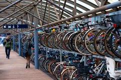 Transporte verde Estacionamiento de la bici imagen de archivo libre de regalías