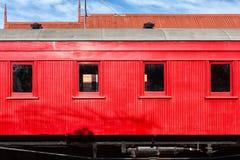 Transporte vermelho do trem fotografia de stock