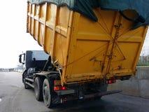 Transporte Waste em uns recipientes Foto de Stock Royalty Free