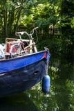 Transporter i kanalerna av London royaltyfria foton