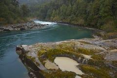 Transporter la rivière par radeau du Patagonia photos libres de droits