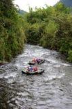 Transporter par radeau en Equateur Photos libres de droits