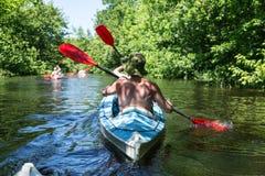 Transporter sur par radeau la rivière de Vorskla Photographie stock libre de droits