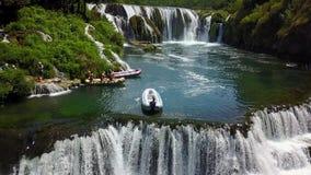 Transporter sur par radeau la rivière Una Images libres de droits