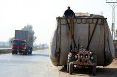 Transportering av hö Royaltyfria Foton