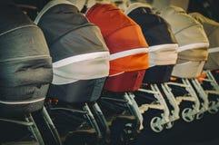 Transportes dos carrinhos de criança dos Prams para bebês Fotografia de Stock