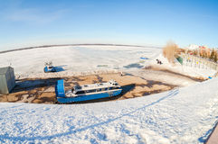 Transporteurs d'aéroglisseur sur le remblai de Volga en Samara, Russi Photo libre de droits