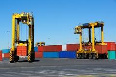Transporteurs gauches de conteneur Photos libres de droits