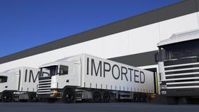 Transportez semi le camion avec la légende IMPORTÉE sur le chargement ou le déchargement de remorque Rendu du transport 3D de car illustration stock