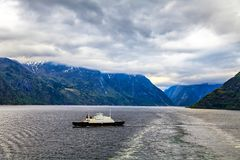 Transportez-vous à la Mer du Nord un jour nuageux Photo stock