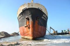 Transportez-vous avec la cargaison sur le canal de Kiel, Allemagne Image stock
