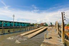Transportez-vous dans le dock sec pendant la révision Image libre de droits