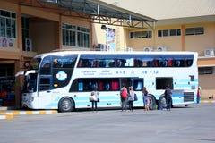 Transportieren Sie kein 18-12 vom Sombattour-Firmenbus Lizenzfreie Stockbilder