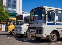 Transportieren Sie PAZ auf dem Busbahnhofsgelände der Stadt von Voronezh Stockfoto