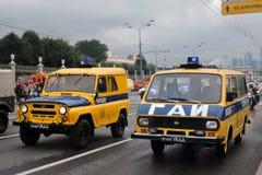 Transportieren Sie Polizeiwagen an erster Moskau-Parade des Stadt-Transportes Stockbilder