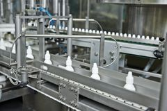Transportör för flaska för apotekmedicin plast- Arkivfoto