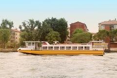 Transpotation del agua de Venecia imagen de archivo libre de regalías