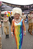 Transvestit, der Wölbung-Nachtklub darstellt Lizenzfreies Stockbild
