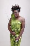 Transvestit med svärd Royaltyfria Foton