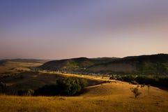 Transylvanian landskap på gryning arkivbilder