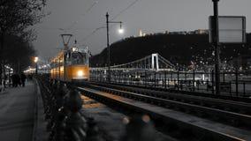Tranvía amarilla en Budapest Fotografía de archivo