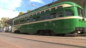 Tranvía céntrica San Francisco almacen de metraje de vídeo