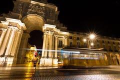 Tranvía de la noche de Lisboa Imágenes de archivo libres de regalías