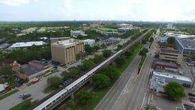 Tranvía de Miami Metrorail en el movimiento almacen de metraje de vídeo