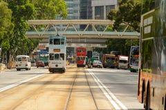 Tranvía del autobús de dos pisos en la calle de HK fotos de archivo