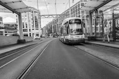 Tranvía en Ginebra, Suiza - HDR imagenes de archivo