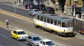 Tranvía en la estación - Bucarest fotos de archivo