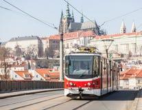 Tranvía en Praga Foto de archivo libre de regalías