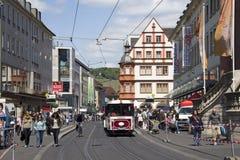 Tranvía en Wurzburg, Alemania fotos de archivo