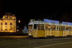 Tranvía húngara de la Navidad Fotos de archivo libres de regalías