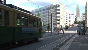 Tranvía Helsinki céntrica Finlandia almacen de metraje de vídeo