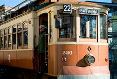 Tranvía histórica de la calle en Oporto, Portugal Imagen de archivo