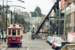 Tranvía icónica que le hace manera del ` s a través de las calles de Christchurch fotografía de archivo libre de regalías