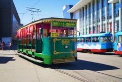 Tranvía vieja en Dnepropetrovsk imagenes de archivo