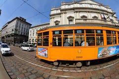 Tranvías viejas típicas de Milano Foto de archivo libre de regalías