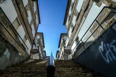 Trap die door huizen leiden Royalty-vrije Stock Foto