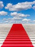 Trap met rood tapijt Royalty-vrije Stock Afbeelding