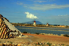 Trapani, salt bassins and mills Royalty Free Stock Photos