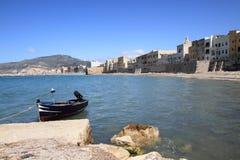 Trapani Sicilia Italia e peschereccio Fotografie Stock Libere da Diritti
