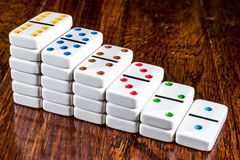 Trappa av domino på Wood bakgrund Royaltyfri Fotografi