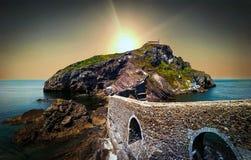 Trappa i San Juan de Gaztelugatxe i baskiskt land royaltyfria bilder
