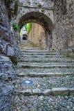 Trappa in i slotten i den medievalCastellodiBrescia slotten i Brescia, Italien royaltyfri fotografi