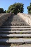 Trappa nära den storslagna teatern i Pompeii Royaltyfri Foto